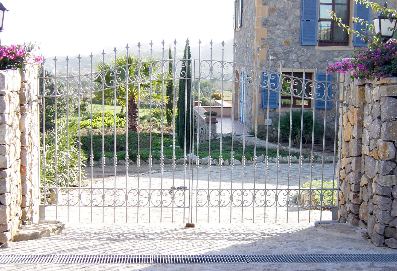 Schlosserei Baumann - Gittertüren